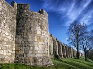 city-walls-164825_640